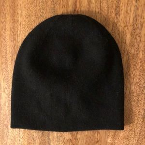 Black Cashmere Beanie Hat NWT